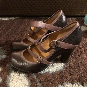 Steve Madden Astro Mary Jane Double Buckle Pumps